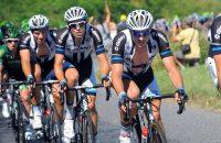 Alpenetappe in Tour start met minuut stilte