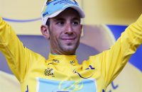 Superieure Nibali wint Alpenrit in Tour