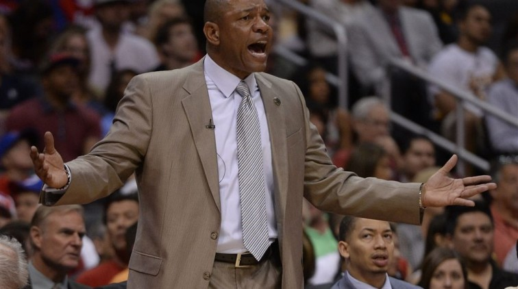 Coach Clippers stapt op als Sterling blijft