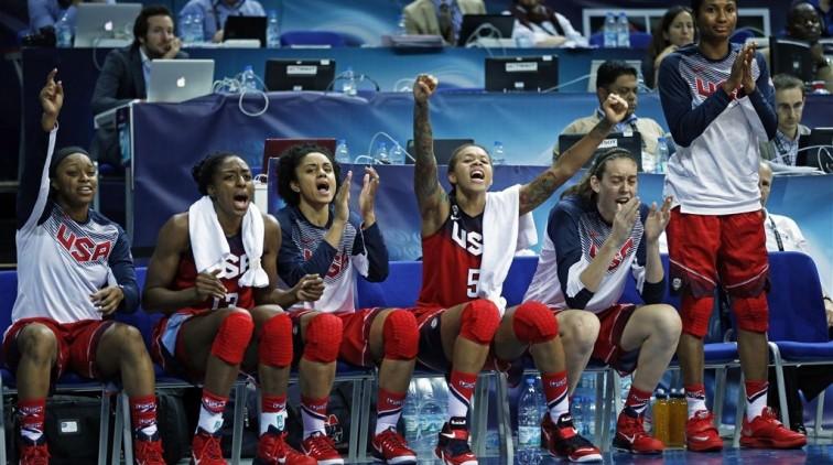 Basketbalsters USA en Spanje in WK-finale