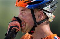 Mountainbiker Van Houts verlengt contract