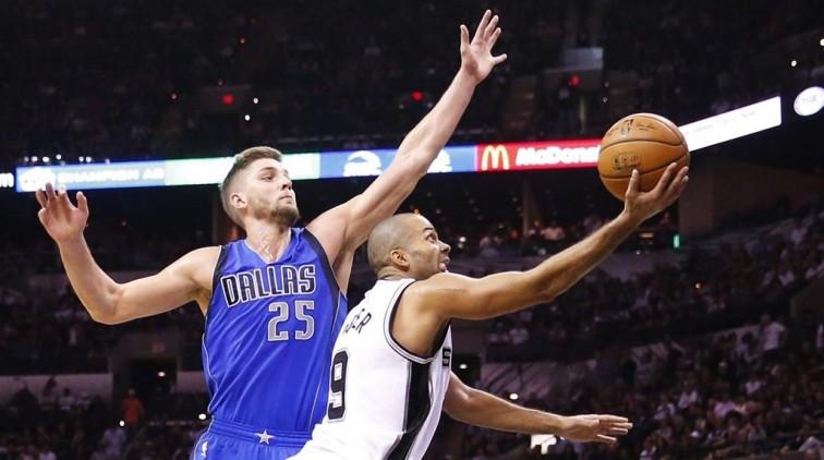 Spurs openen seizoen NBA met nipte zege