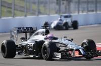 McLaren test auto met Honda-motor