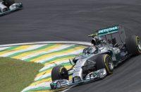 Rosberg troeft Hamilton af in Brazilië