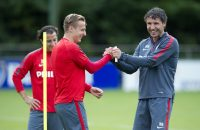 Van Bommel gaat vaker de jeugd van PSV trainen