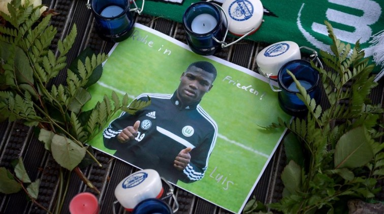 Minuut stilte voor Malanda in Bundesliga