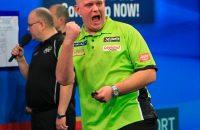Van Gerwen overtuigend naar halve finales UK Open