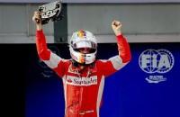 Vettel huilt van geluk