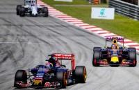 Video: De waanzinnige race van Verstappen in Maleisië