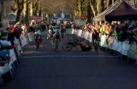 Video: opvallende finish bij terugkeer Wild op weg