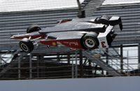 IndyCar-coureur komt ongedeerd uit spectaculaire crash