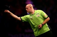 Mighty Mike treft Barney in Premier League Darts