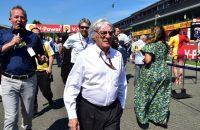 Ecclestone betaalt salarissen van renstal Lotus