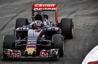 Vettel pakt polepostion, Verstappen knap achtste