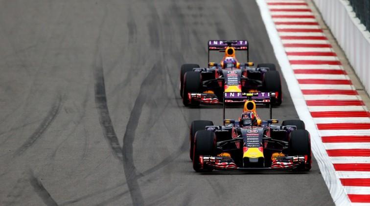 Red Bull: Ferrari en Mercedes zijn bang voor ons