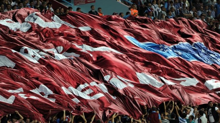 Trabzonspor-preses sluit arbiter uren op na weigeren penalty