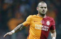Sneijder en 'Gala' spelen gelijk met nieuwe coach