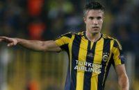 Fenerbahçe blijft dankzij goal Van Persie meedoen