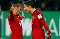 Ontketende Lewandowski leidt Bayern weer naar winst