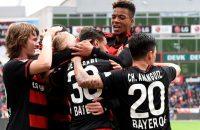 Leverkusen zet stap richting CL, Wolfsburg verliest ondanks goal Dost