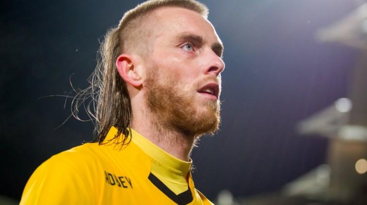 Chef voetbal Valentijn Driessen vindt dat de KNVB geen uitzonderingen moet maken voor Ajax in de.
