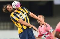 Gedegradeerd Verona verrast kampioen Juve