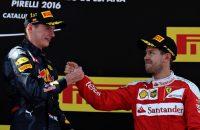 Verstappen passeert Vettel als jongste winnaar ooit