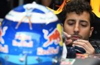Verstappens ploegmaat Ricciardo pakt poleposition