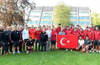 Sneijder en Galatasaray solidair met Turkse volk