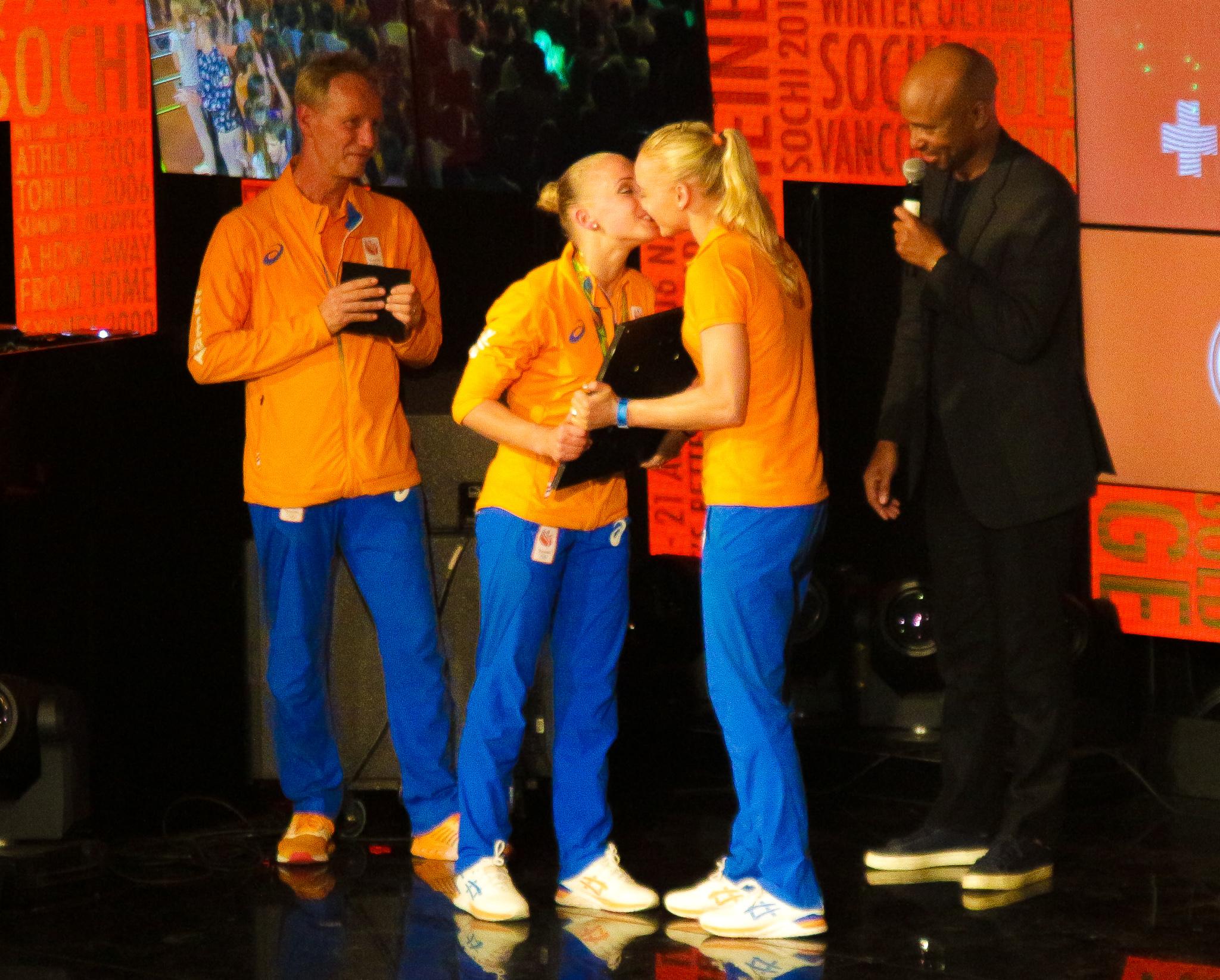 Huldiging Sanne Wevers en Sharon v Rouwendaal-4