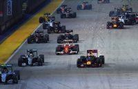 Verstappen strandt op P6 na slechte start, Rosberg wint