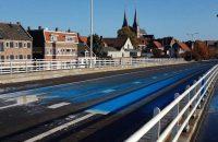 Deventer baalt van besmeurde brug en overweegt aangifte