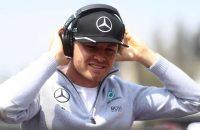 Koploper Rosberg wijzigt aanpak niet