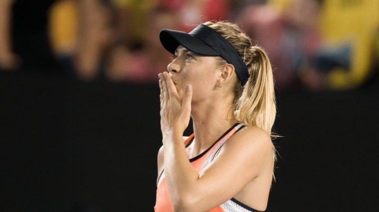 Sjarapova haalt uit naar tennisfederatie