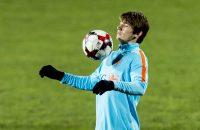 2016-11-12 20:34:11 LUXENBURG - Marten de Roon tijdens de training van het Nederlandse elftal in het Stade Josy Barthel. Oranje bereidt zich voor op de kwalificatiewedstrijd tegen Luxemburg. ANP JERRY LAMPEN