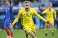 PARIS, FRANCE - NOVEMBER 11: Emil Forsberg of Sweden celebrates scoring a goal during the FIFA 2018 World Cup Qualifier between France and Sweden at Stade de France on November 11, 2016 in Saint-Denis near Paris, . (Photo by Jean Catuffe/Getty Images)