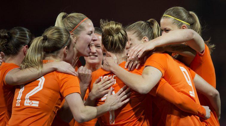 Zie de Oranje Leeuwinnen live in actie.