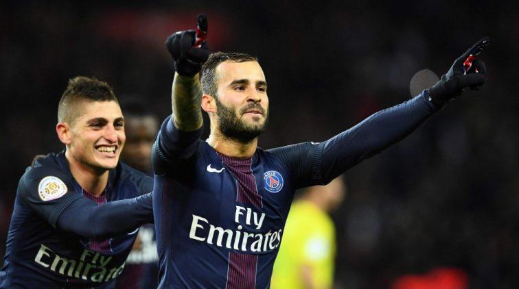 PSG pas in slotminuut via penalty langs Nantes
