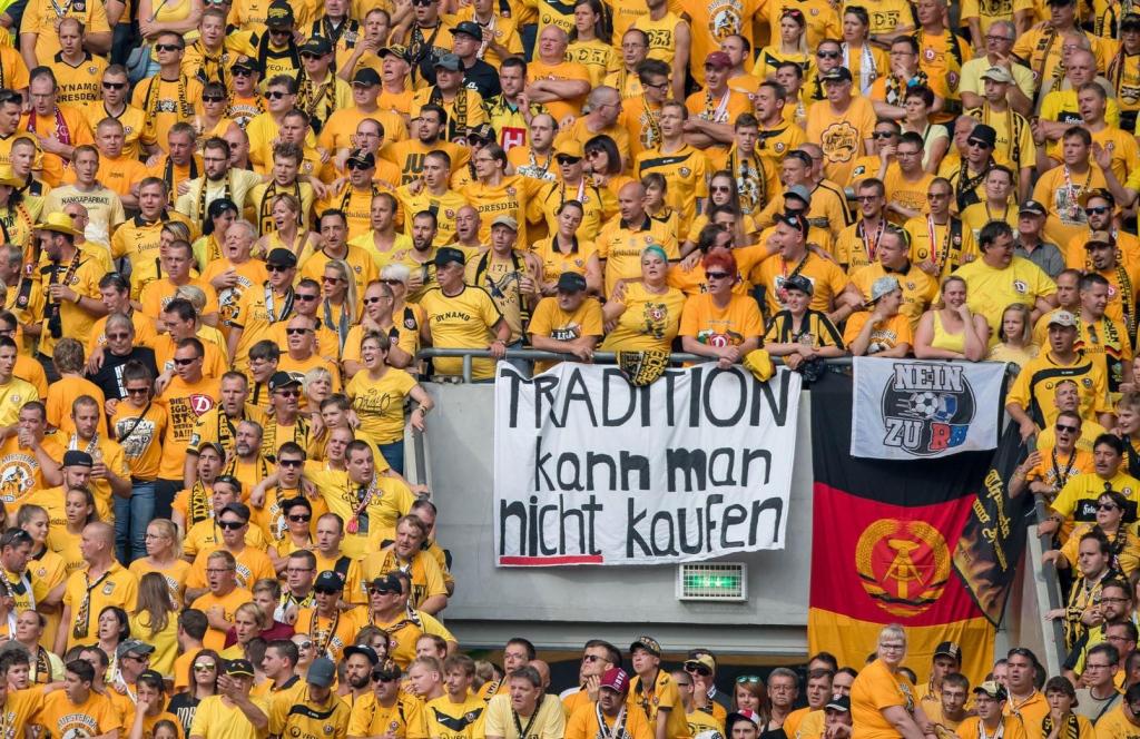 Extra Beveiliging Duits Voetbal Na Aanslag Kerstmarkt Sportnieuws