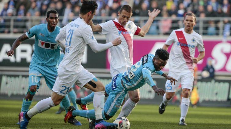 AA Gent verslaat koploper Club Brugge en verpest jubileum Simons