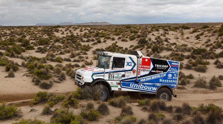 Modderbad voor Maurik van den Heuvel in Dakar Rally