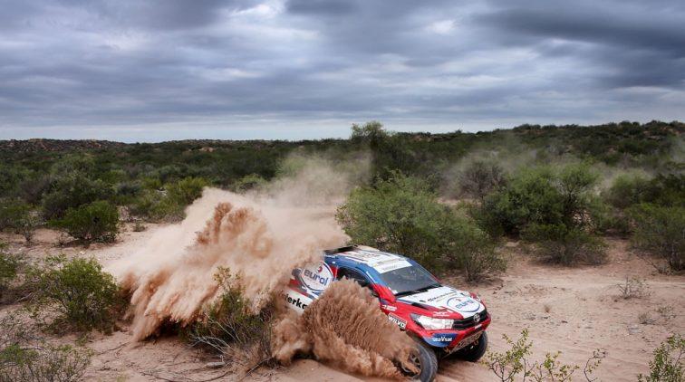 Opsteker Erik van Loon met finish Dakar Rally in zicht