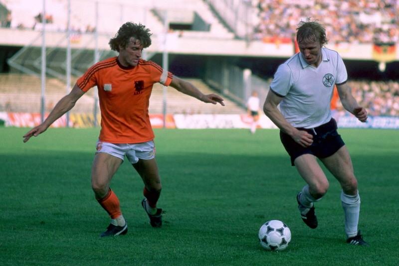 https://sportnieuws.nl/app/uploads/2017/01/Oud-international-Hrubesch-vervangt-Flick-bij-Duitse-bond-sportnieuws-nl-16833225.jpg