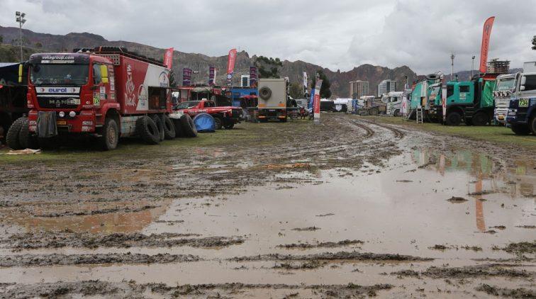 Route voor trucks in Dakar dinsdag opnieuw ingekort