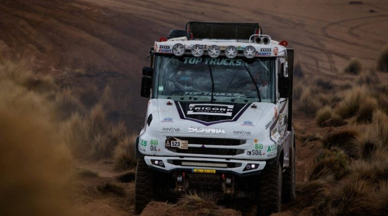 Vick Versteijnen profiteert van andermans fouten in Dakar Rally