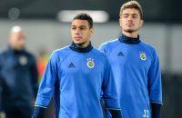 Advocaat laat Van der Wiel weer meetrainen bij Fenerbahçe