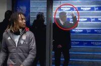 Ancelotti doneert aan goed doel na opsteken middelvinger