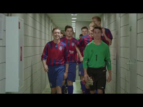 Mertens Helpt Nederlander Uit De Kast Te Komen Video