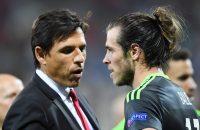 Bale gaat pal achter bondscoach Coleman staan