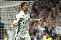 Champions League-held Ronaldo opent Club van 100